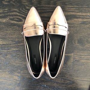 Forever 21 Shoes - Forever 21 Metallic Rose Gold Flats Size 6